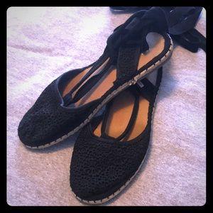 Black toms sandals